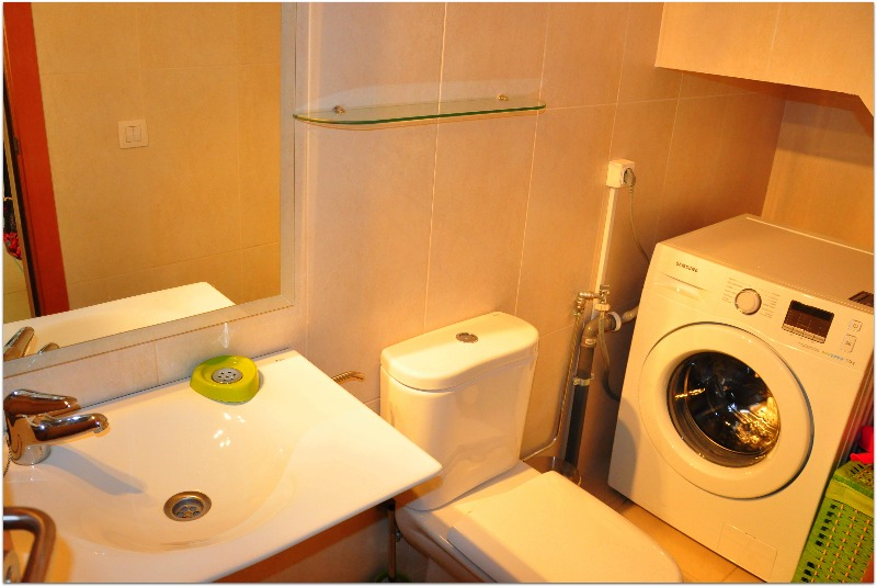 Туалетная комната арендного помещения